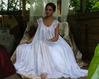 White Full Swing Nightgown Romantic Lingerie Bridal Wedding Lace Cap Sleeve Sleepwear