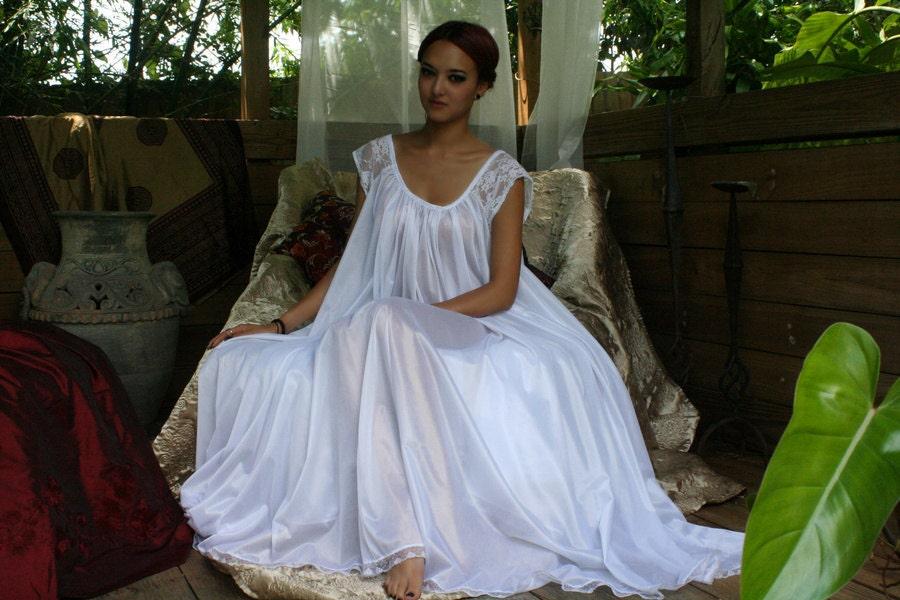 White Full Swing Nightgown Romantic Lingerie Bridal Wedding