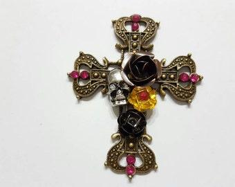 Gothic Cross Needle Minder