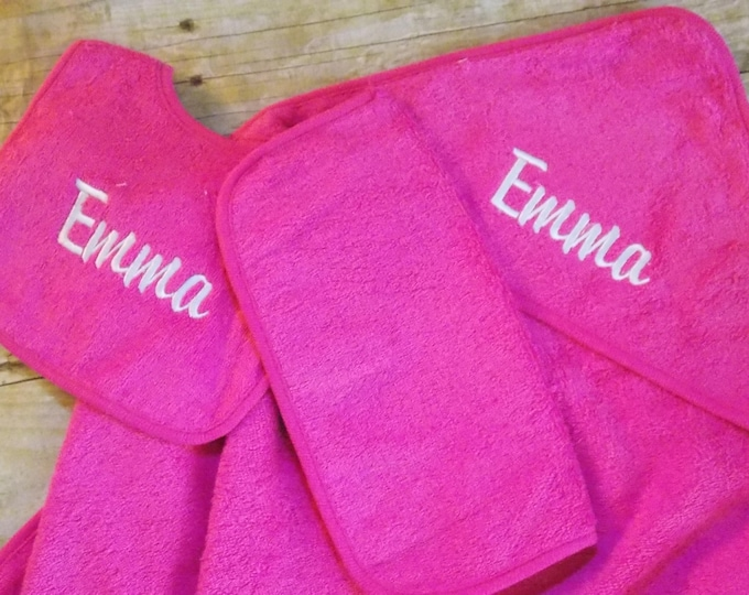 Personalized infant hooded towel set - Baby girl shower gift - Embroider bib - Baby hooded towel - Pink baby towel set - Girl bathing set