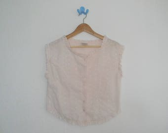 FREE usa SHIPPING vintage ladies pink eyelet boxy blouse/ short top/sleeveless button up/cropped top size L
