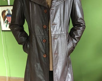 Vintage European Brown Leather Trench Coat Jacket GREAT CONDITION - Mens Size 40.