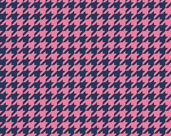 """Hot Pink and Navy Riley Blake Designs """"Houndstooth"""". 100% cotton, pattern C980-132"""