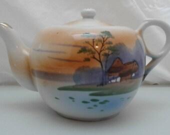 vintage hand painted Lusterware teapot takito nippon TT made in japan