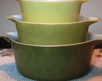 Set of 3 - Vintage Pyrex Verde (Green) Cinderella Casseroles