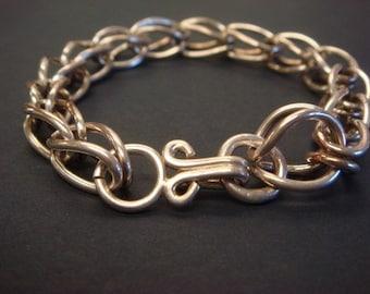 Bracelet en argent, lié
