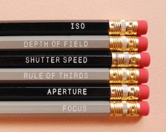 Ensemble de crayon papier pâtisseries photographie