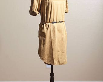 Vintage 1970s DIANE VON FURSTENBERG biege mini dress, size 2