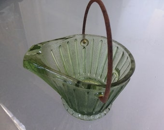 Green Basket Ashtray with Metal Handle (rusted), Vintage Home Decor, Green Glass Basket, Tobacciana, Trinket Holder, Catchall