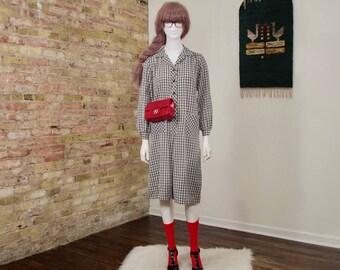 plaid smock dress / long sleeve dress / sack dress / shirtwaist dress / black white dress / loose dress / midi dress / collared dress