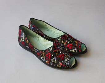 1950s Slippers / Vintage 50s Embroidered Satin Slippers / 50s Peep Toe Flats 9 9.5 Deadstock Unworn