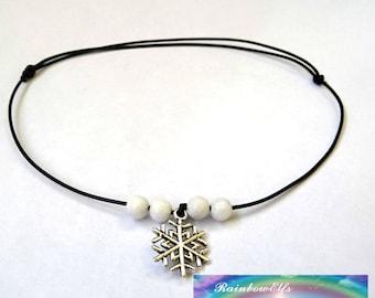 Gemstone choker. Black string choker. Alabaster choker. Christmas choker. Christmas gift. Minimalist jewelry. Adjustable size.