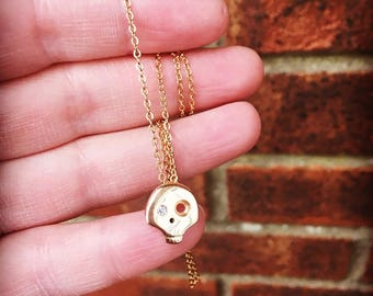 9ct Gold Skull Necklace with Diamond