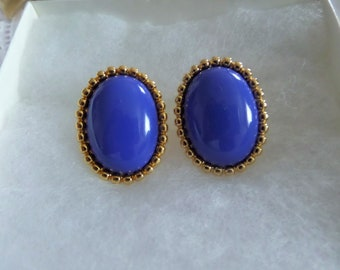 Vintage Monet Gold Tone Clip On Earrings with Large Blue Cabochon Stone in Center