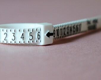 Ring Sizer/ Ring Size/ Ring Size Tool/ Find Ring Size/ Ring Size Adjuster/ Adjustable/Half Sizes/US Ring Size/Plastic Ring Sizer/Size Finder