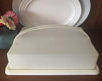 Vintage Tupperware Covered Sheet Cake Carrier Keeper with Handle / Harvest Gold 623