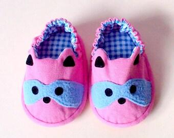 Elastic Baby Booties, Raccoon Baby Shoes, Pink Blue Baby Shoes, Fabric Baby Shoes, Prewalker Booties, Newborn Infant Booties, Raccoon 02