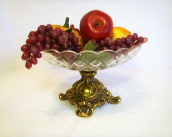 Brass and Crystal Compote for your Wedding, Elegant Hollywood Regency Fruit Bowl, Elegant Ornate Footed Brass Pedestal with Cut Crystal Bowl