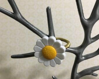 Daisy Button Ring