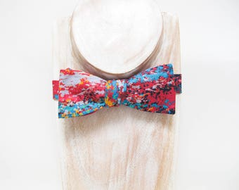 Double sided artistic pixelated paint strokes print and fuchsia small thistle cotton bow tie