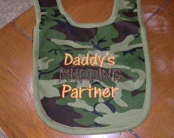 Embroidered Baby Bib - Daddy's Mudding Partner - Camo Bib
