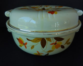 Vintage Hall Pottery Casserole Covered Dish/Autum Leaf Pattern by Jewel Tea