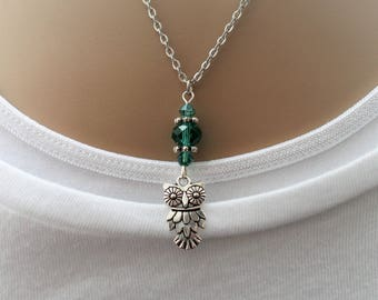silver owl necklace, green bead necklace, beaded jewellery, gift for women, silver necklace, everyday jewellery, dainty necklace