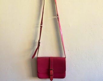 Ladies/girls/vintage/purse/pink/bag/shoulder bag/mid century/feminine/bubble gum