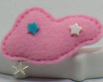 This brooch pink felt with stars