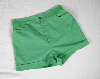 Vintage 1970s Green Cotton Shorts 70s Cute Pinup Shorts Size S