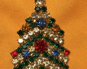 What a Beauty!! Bright and Shiny Vintage Rhinestone Christmas Tree Brooch