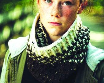 crochet cowl, easy to make cowl, tweed cowl
