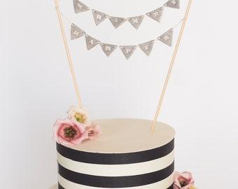 Wedding cake bunting - Personalized wedding cake topper - Mr and Mrs cake topper - Cake bunting - Cake banner - Custom wedding cake topper