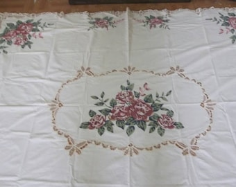 Battenburg lace and rose print tablecloth set with 4 matching place mats and 4 napkins