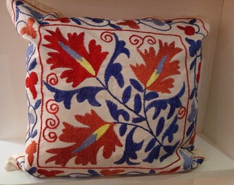 Floral silk embroidered suzani pillow. Accent pillow. Uzbek suzani pillow