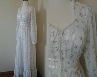 Vintage 1970s White Floral Gunne Sax Prairie Dress, S/M