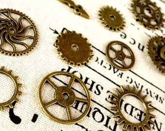 Steampunk cogs gears 15 bronze charms vintage style jewellery supplies C89