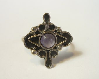 Size 6-1/4 - Vintage Mexican sterling silver amethyst ring - Taxco eagle mark