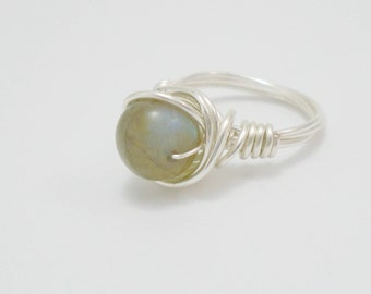 Labradorite Ring, Grey Gemstone Ring,Wire Wrapped Ring, Labradorite jewelry, Silver Wire ring, Beaded labradorite ring, Unique Gift for Her