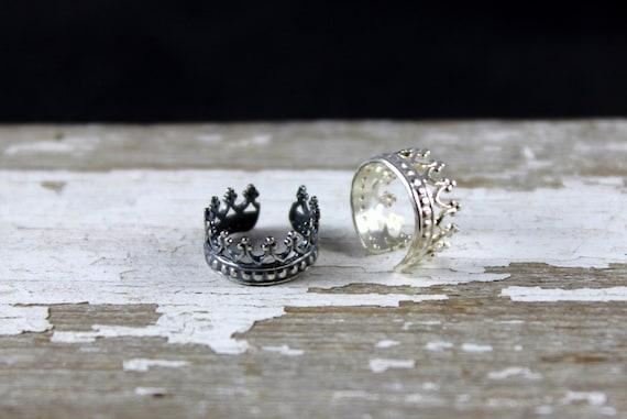 Sterling Silver Ear Cuff- Queens Crown, Faux Piercing