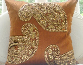"Luxury  Orange Cushion Covers, Indian Paisley Traditional Antique Pillows Cover 18""x18"" Silk Pillows Covers For Couch - Traditional Paisleys"
