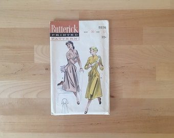 Vintage 1950s Butterick Printed Sewing Pattern No. 5576, Size 12, 30 Bust, 35 Hip