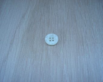 small ivory mother of Pearl round shape button