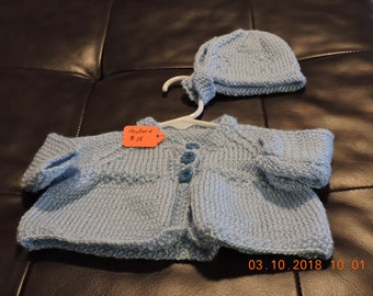 Newborn sweater and bonnet
