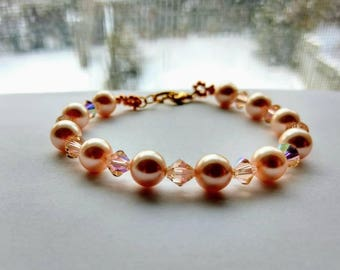Swarovski Peach Pearl Bracelet / Bracelet / Pearl Bracelet / Bridal Bracelet / Wedding Bracelet / Bridesmaid Bracelet / Peach Bracelet