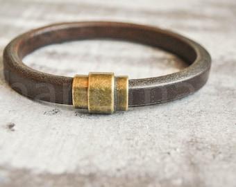 Brown licorice leather bracelet | regaliz leather bracelet | regaliz wristband | licorice wristband | minimalist bracelet | pulsera hombre
