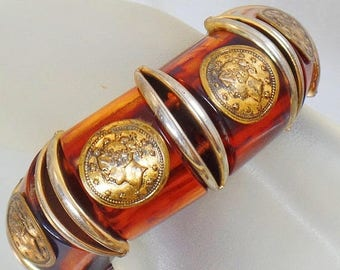 Vintage Bakelite Coin Bracelet.  Swirled Iced Tea.  Root Beer.  Tortoise Shell.  Apple Juice.