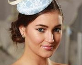 baby blue fascinator hat for weddings races, blue and cream fascinator, wedding guest fascinators, ascot cheltenham fascinator