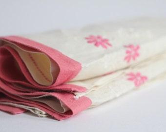 Embroidered Napkins/Viintage Napkins Set of Two/Pink Salmon Embroidered Flowers/Linen Napkins/Vintage Housewares Embroidery Needlework