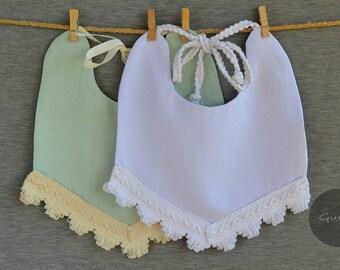 Handmade linen bib - Baby bib, Baby gift, Baby accessories, Drool bib, Baby shower gift, Linen bib, Baby outfit, Teal/White